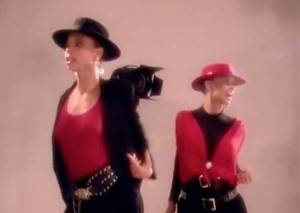 Mel & Kim - Showing Out (Get Fresh At the Weekend) - Official Music Video