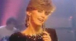Olivia Newton-John - Make A Move On Me