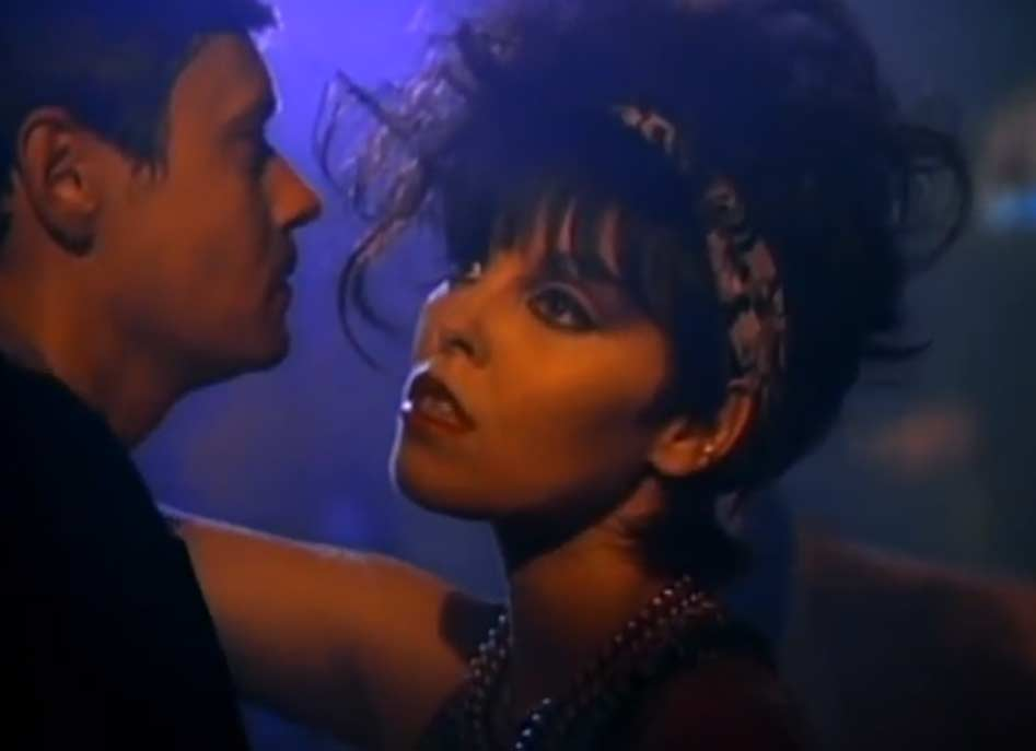 Pat Benatar - Love Is A Battlefield - Official Music Video