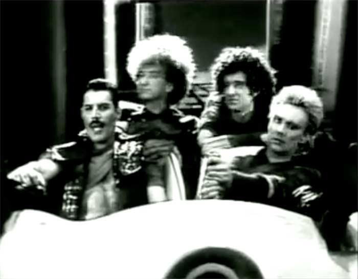 Queen - Radio Ga Ga - Official Music Video