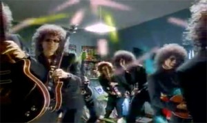 Queen - The Invisible Man - Official Music Video