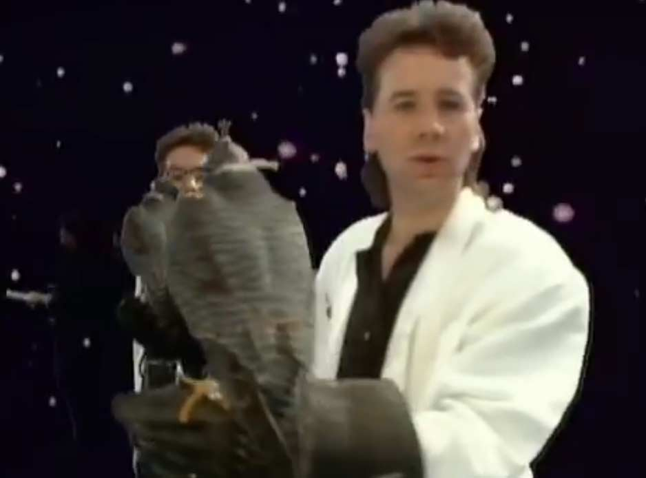 Simple Minds - All The Things She Said - Official Music Video