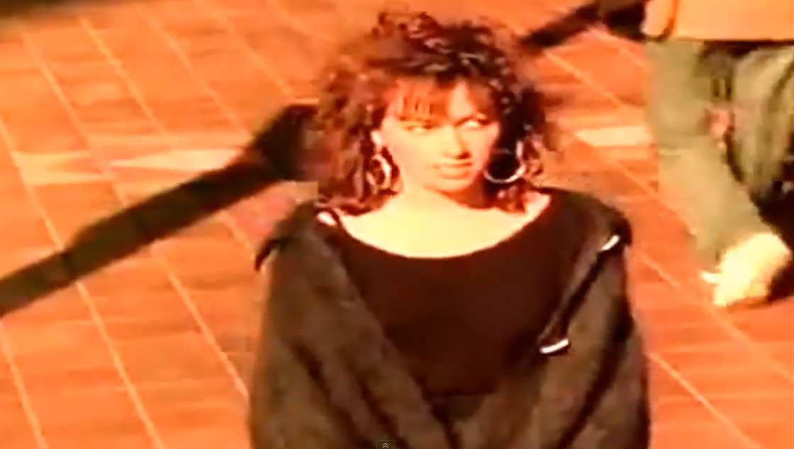 The Bangles - Manic Monday - Official Music Video.