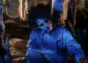 The Cure - Lovesong - Official Music Video