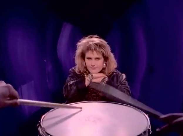 Alison Moyet - Ordinary Girl - Official Music Video
