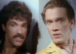Daryl Hall & John Oates - Maneater - Official Music Video