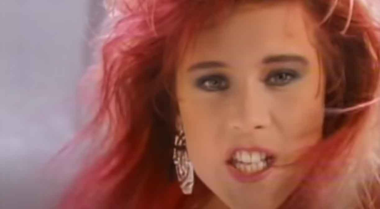 Samantha Fox - Naughty Girls (Need Love Too) - Official Music Video