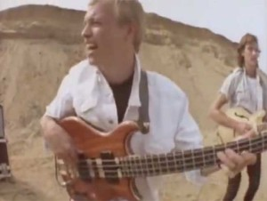 Level 42 - Sun Goes Down (Living It Up)