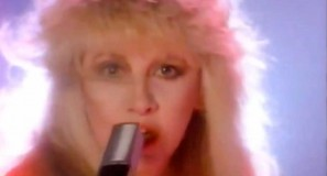 Stevie Nicks - Talk To Me