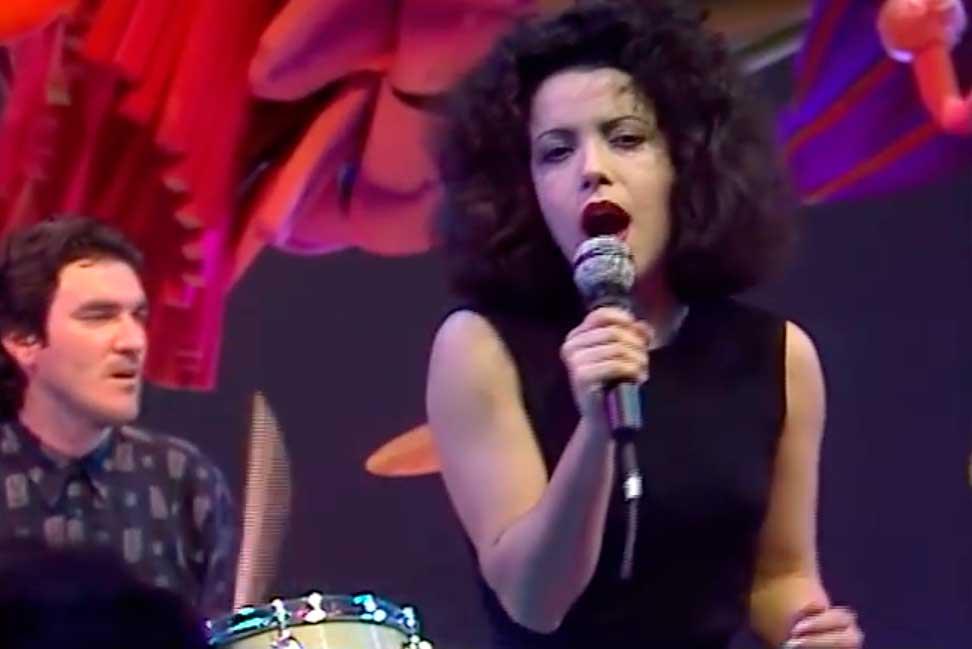 Matia Bazar Ti Sento Music Video