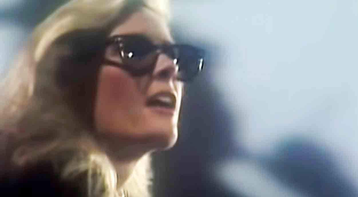 Kim Carnes - Bette Davis Eyes - Official Music Video