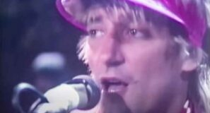 Rod Stewart - Tonight I'm Yours (Don't Hurt Me) - Official Music Video