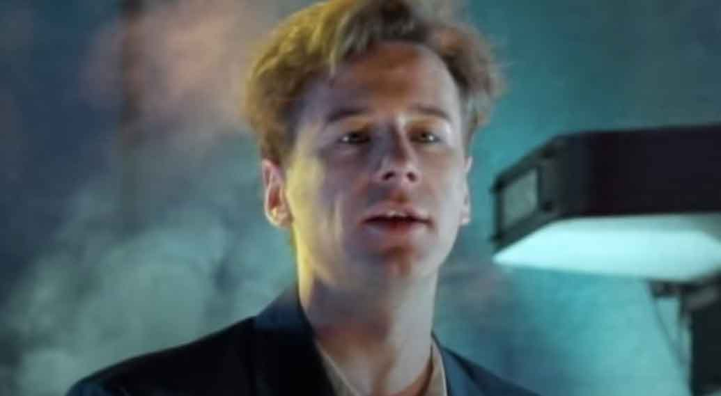 Simple Minds- Waterfront - Official Music Video