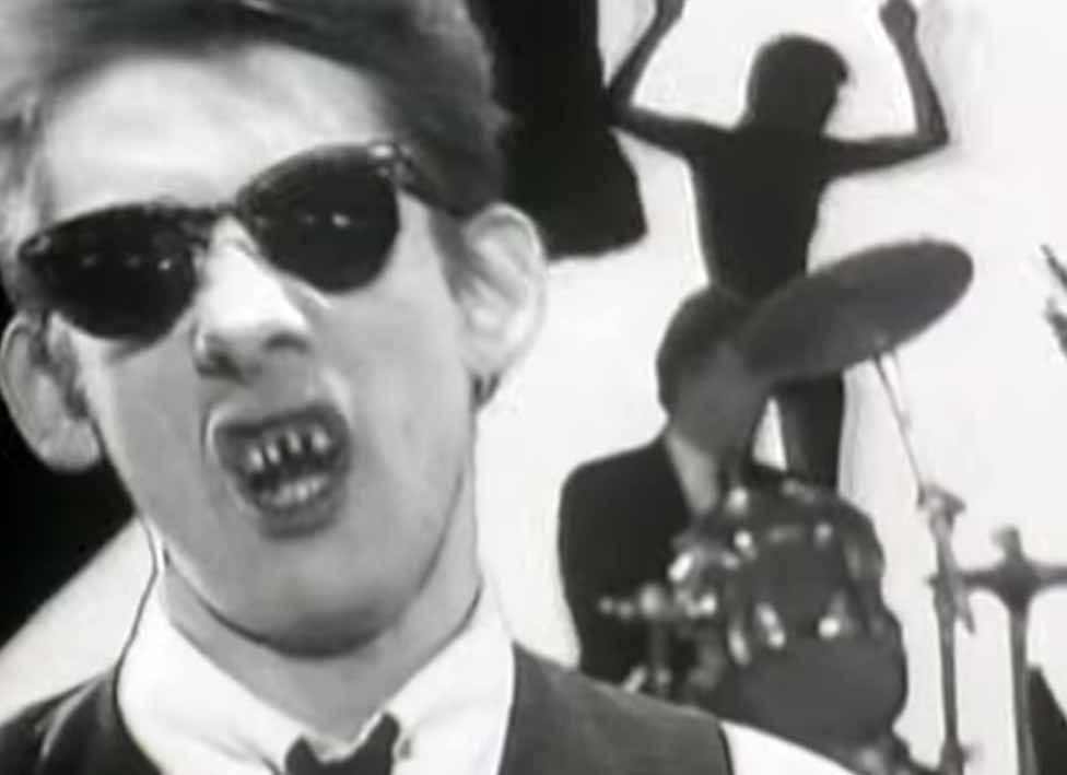 The Pogues Yeah Yeah Yeah Yeah Yeah Official Music Video