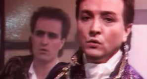 Gold Capitaine Abandonne Official Music Video 80s