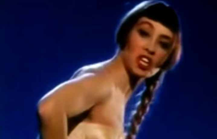 Rita Mitsouko Marcia Baila Official Music Video