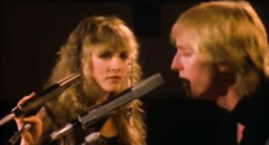 Stevie Nicks & Tom Petty and the Heartbreakers - Stop Draggin' My Heart Around - Official Music Video