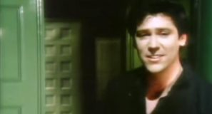 Shakin' Stevens - Green Door - Official Music Video