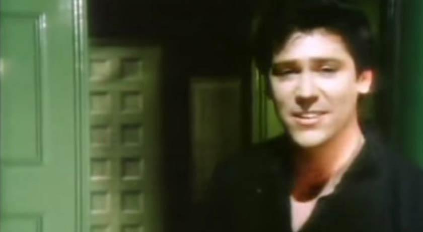 Shakin' Stevens - Green Door - Official Music Video