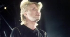 A Flock Of Seagulls - Space Age Love Song - Official Music Video