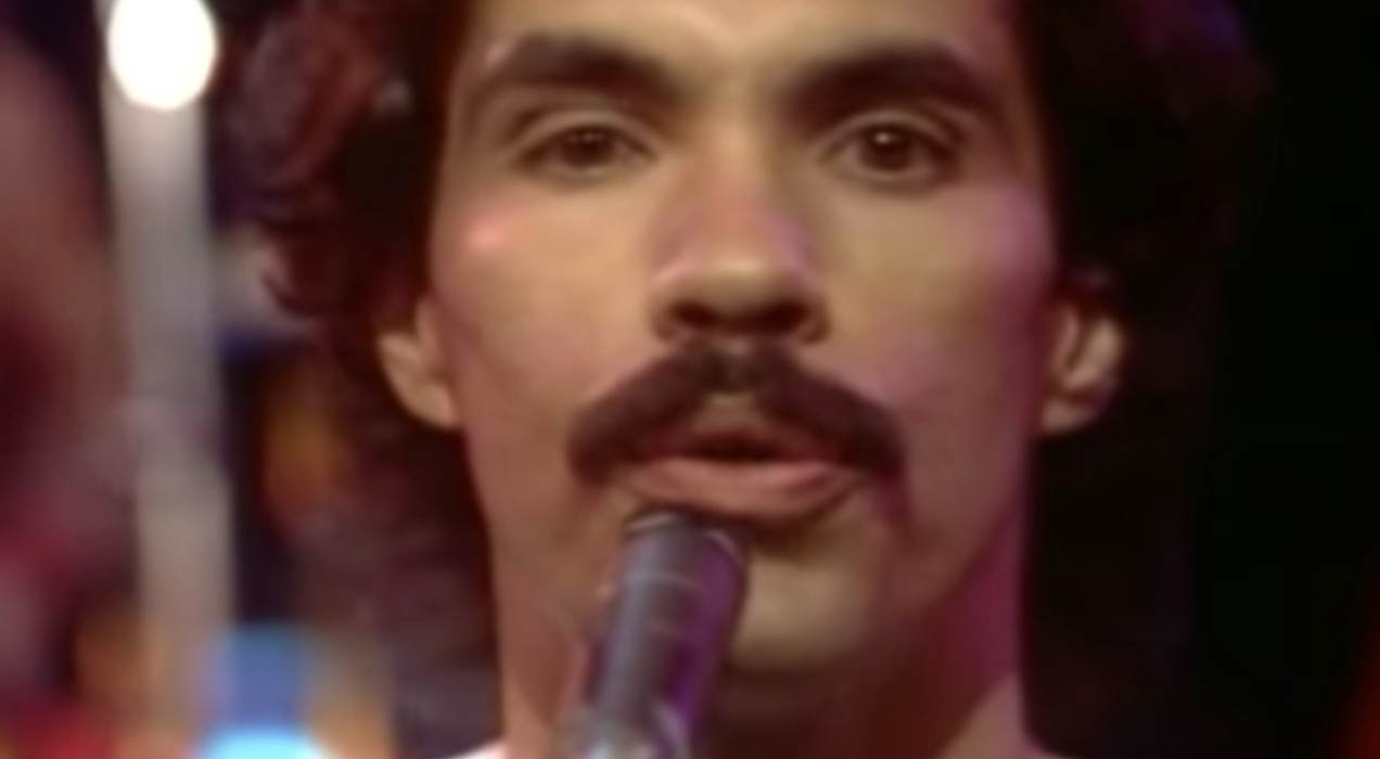 Daryl Hall & John Oates - You've Lost That Lovin' Feeling - Official Music Video