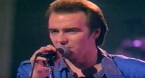 Midge Ure - That Certain Smile - Official Music Video