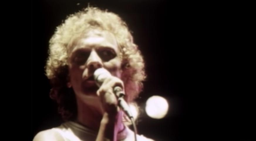 Foreigner - Waiting For A Girl Like You - Official Music Video
