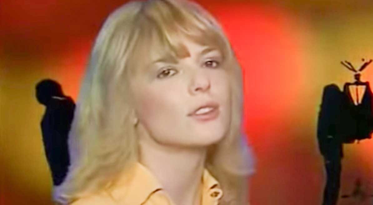 France Gall – Il Jouait Du Piano Debout - Official Music Video