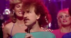 Matthew Wilder - Break My Stride - Music Video