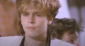 Duran Duran - Lonely In Your Nightmare - Official Music Video