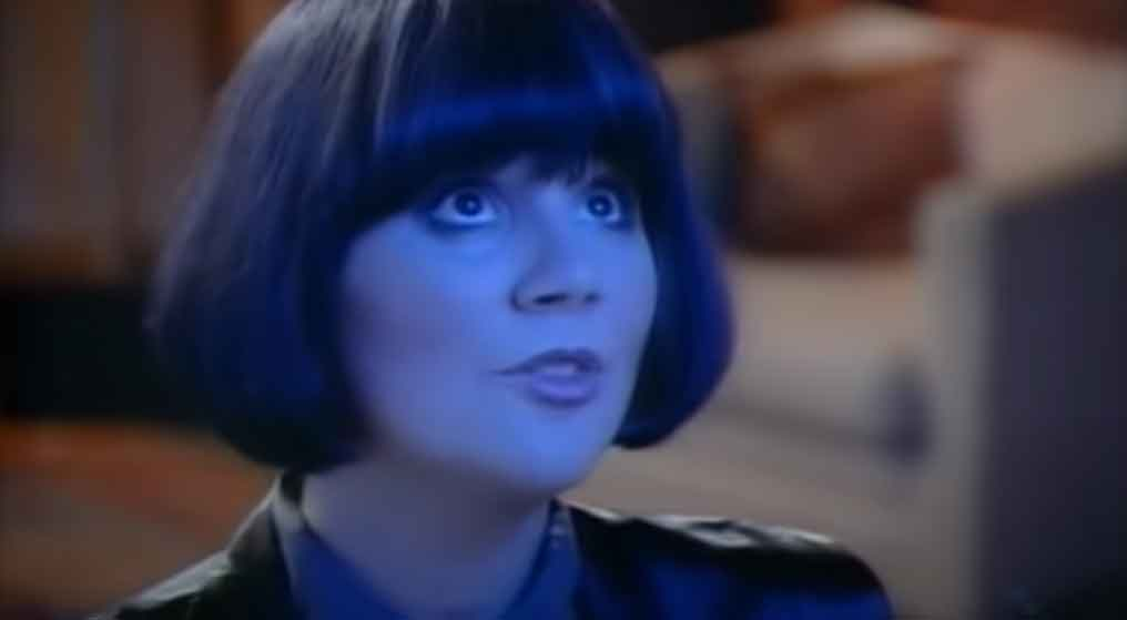 Linda Ronstadt & James Ingram - Somewhere Out There - Official Music Video