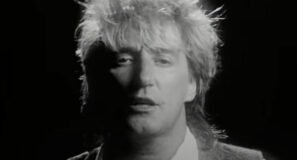 Rod Stewart - Lost in You - Official Music Video