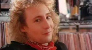 Julian Lennon - Stick Around - Official Music Video
